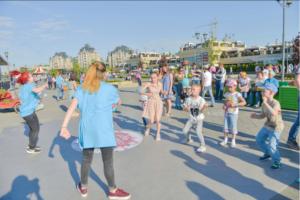 Кремлевская набережная Территория семейного отдыха в Казани